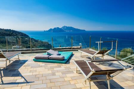 Domus Capri:a real holiday with private pool