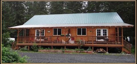 """""""Kodiak Bear Cabin"""" at the Eyak River"""