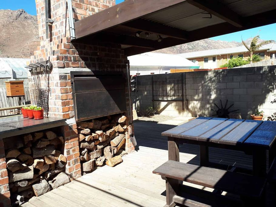 The Cottage - outside barbecue area. First bag of wood is for FREE