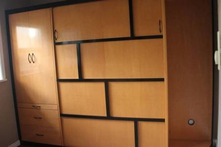 Pull down in wall Queen size bed  in 2nd bedroom