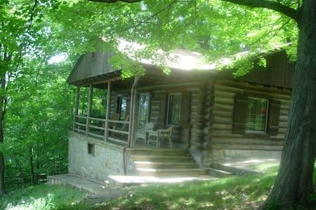 Cliffside Cabin - Front Royal