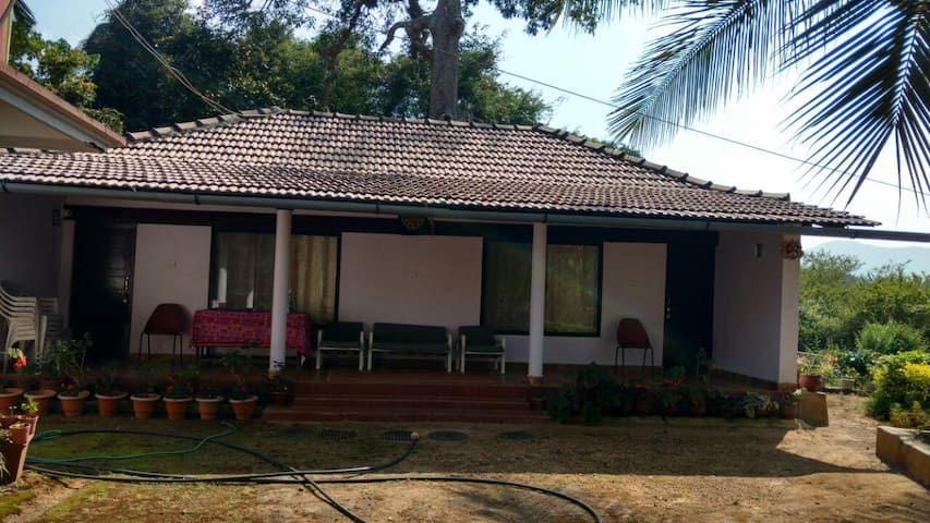 Simply Coorg Estate Stay - Virajpet - Huis