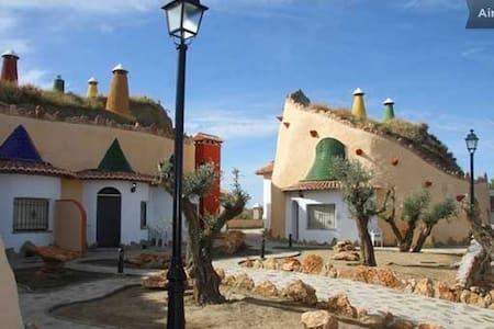 Romántica Casa Cueva para dos - Benalúa