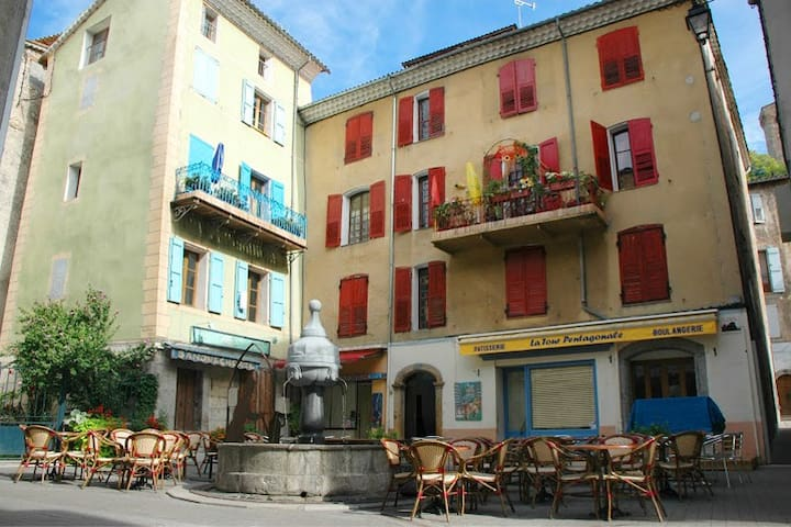 Location Castellane  Centre village - Castellane - Apartmen