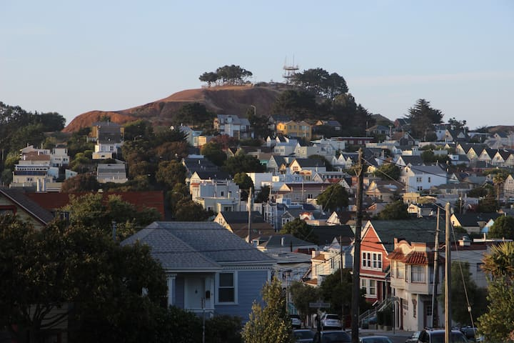 Stay with an Architect in Bernal Heights