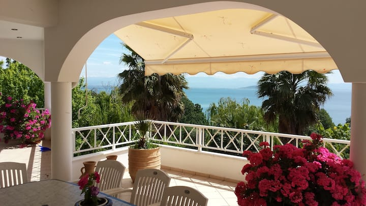 Beautiful Villa Olympia with stunning view