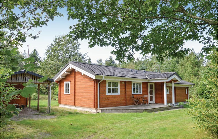 Holiday cottage with 3 bedrooms on 76m² in Højslev