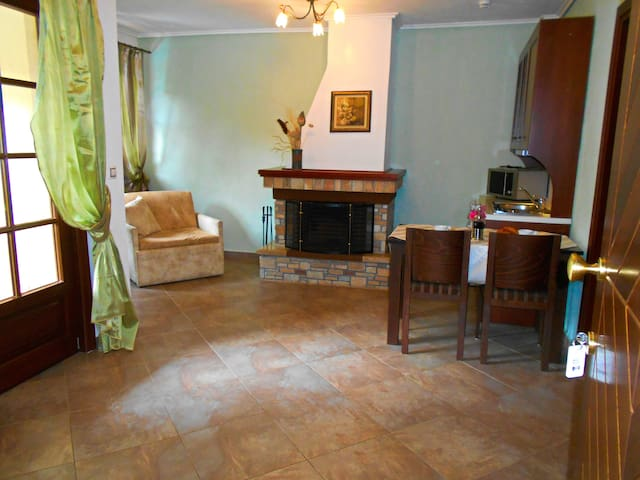 Mikro Kazaviti  superior apartment