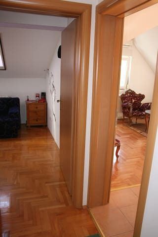 Nice new apartment only 25e Belgrade-Zemun - เบลเกรด
