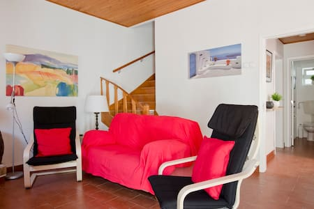 HOLIDAY COTTAGE 100m FROM BEACH  - Costa da Caparica - House