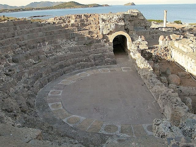Anfiteatro di Nora