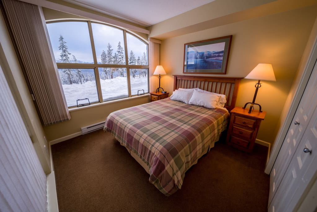 Drift to sleep in the comfortable beds with relaxing views