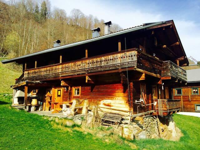 Kitzbüheler Alps: Sunny chalet Upper Floor - Stuhlfelden - Chalet