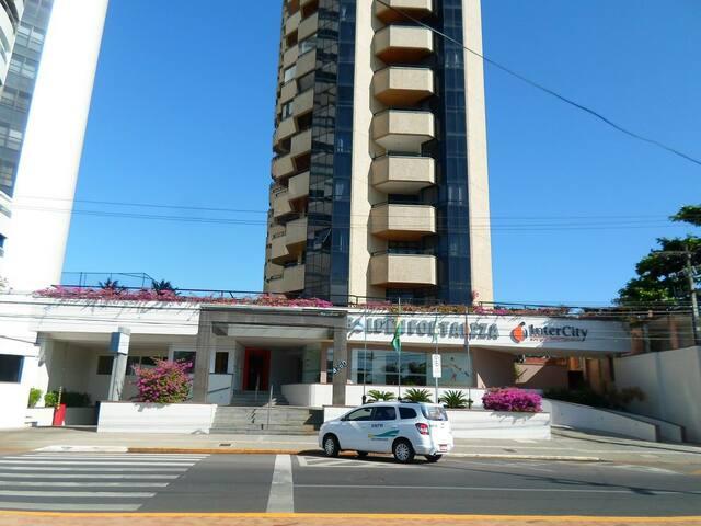 Apartamento no Golden Fortaleza
