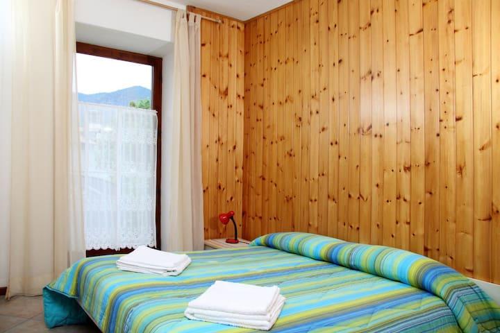 Appartamento 4 persone Val di Non - Brez - Bed & Breakfast