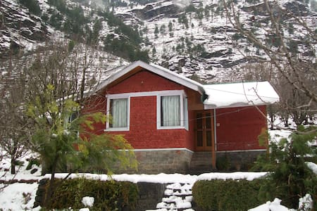 A beautiful cottage Near Manali - Katrain - House