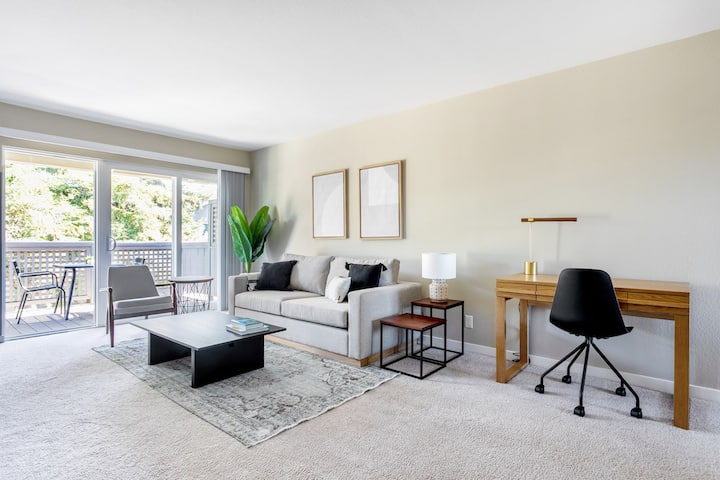 Modern Cupertino 1BR w/ Pool, Gym, A/C, walk to shops, by Blueground