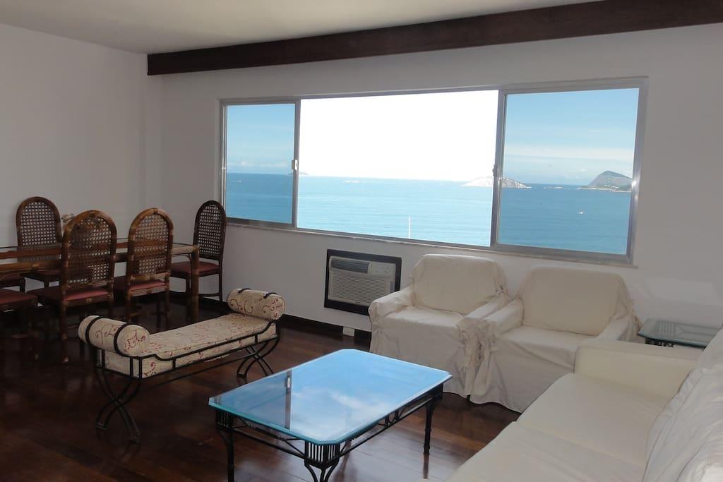 Sala de estar vista mar / Living room Ipanema Beach view