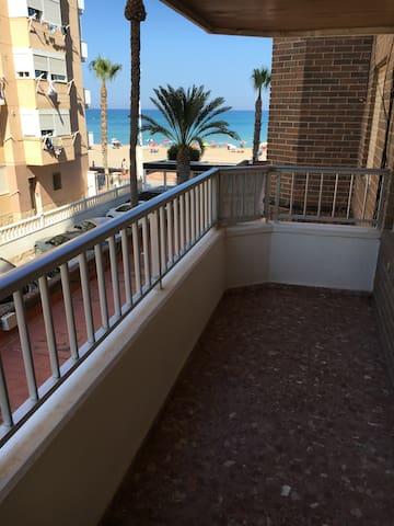Piso en primera linea de playa - Alacant - Apartment