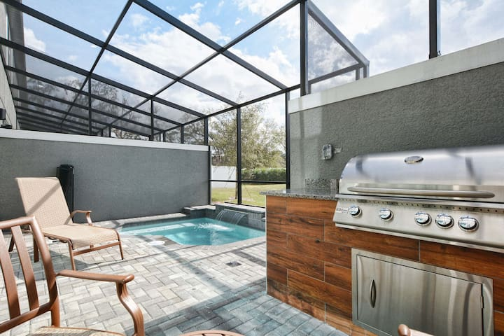 1203 AWESOME LOCATION BRAND NEW PRIVATE POOL