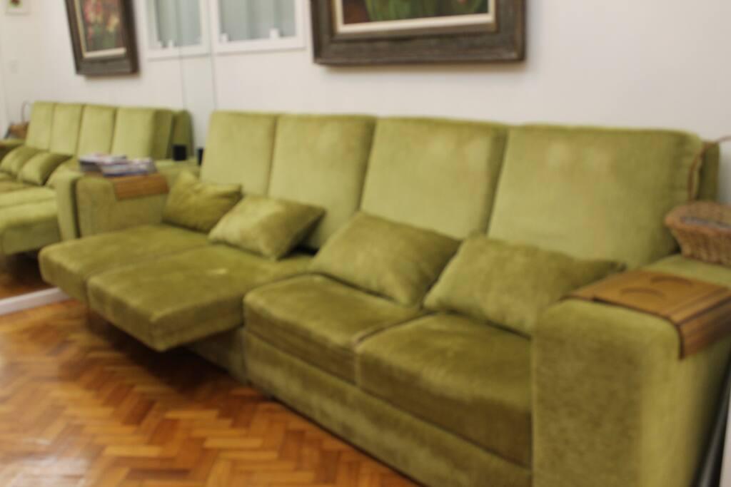 Sala 1 - Sofá de 4 lugares com 4 metros, assentos retráteis independentes