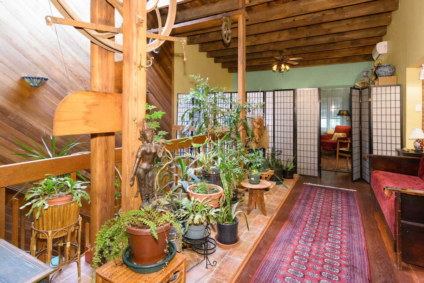 """View of shoshi screen entrance to """"cozy room"""""""