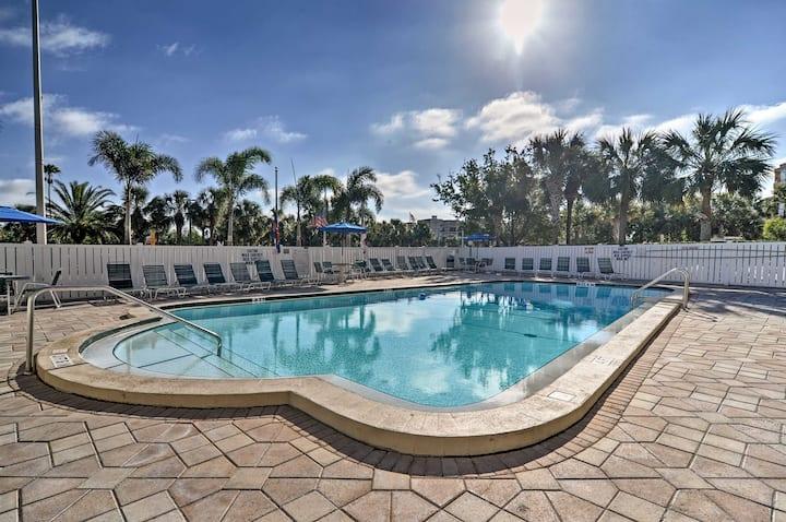 Oceanfront Indian Shores Condo w/ Pool!