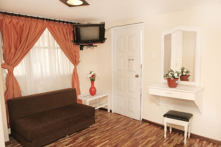 Quadruple Room near the Train Station - Alausi