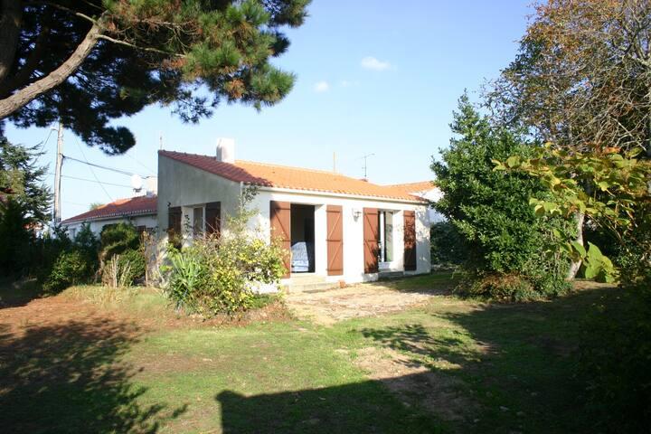 Maison calme en bord de mer - Le Fenouiller - Casa