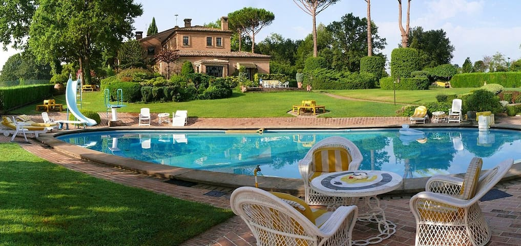 Exclusive Villa with Pool Only 20Km to Rome Center