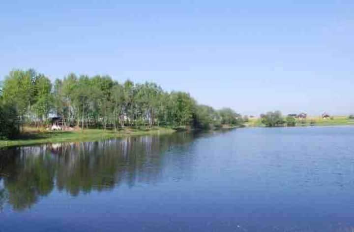 Дом у озера, отдых на природе