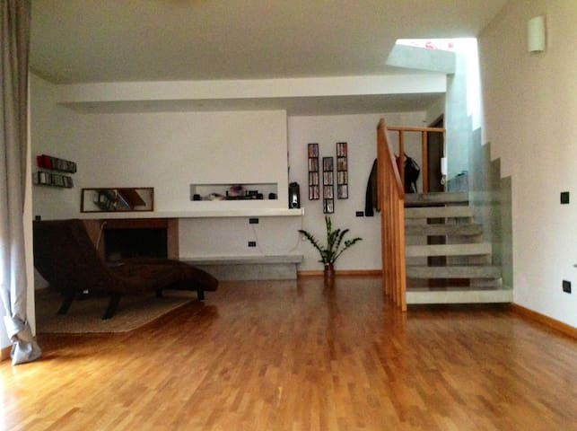 Modern floor in apartment, Rome  - Acilia-Castel Fusano-Ostia Antica - Appartement
