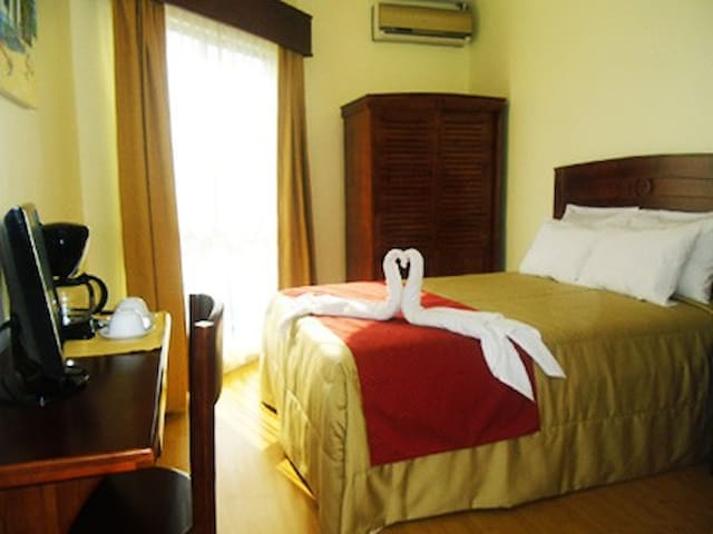 Hotel Catedral Casa Cornejo Single Room - Alajuela - Bed & Breakfast