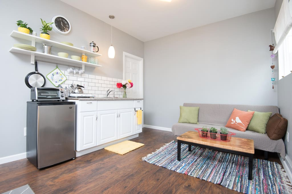 Kitchenette & futon sofa for extra guest