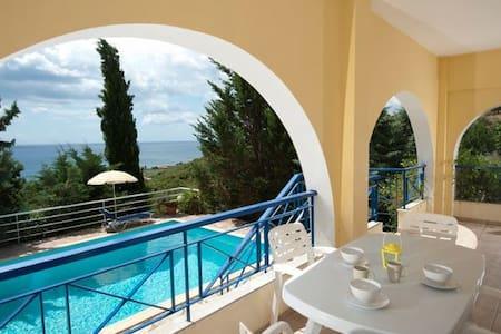 Villa Cleo, Sea Views, Pool, Garden - Kalamaki