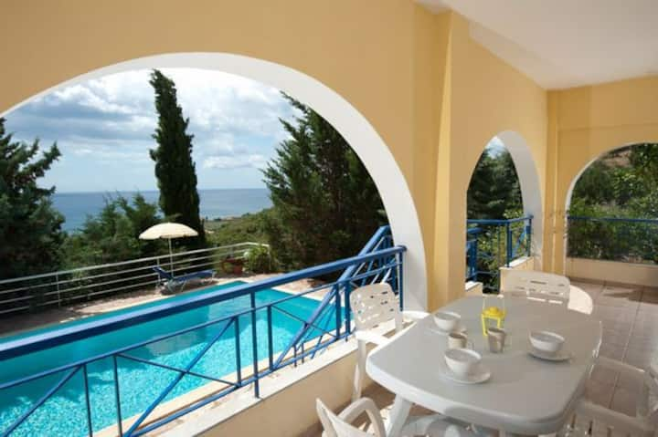 Villa Cleo, Sea View, Private Pool.EOT licensed.