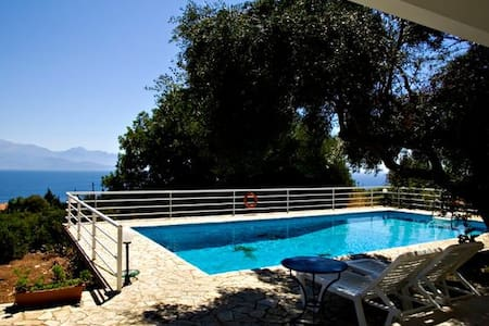Villa Erato, Great views and Pool - Kalamaki