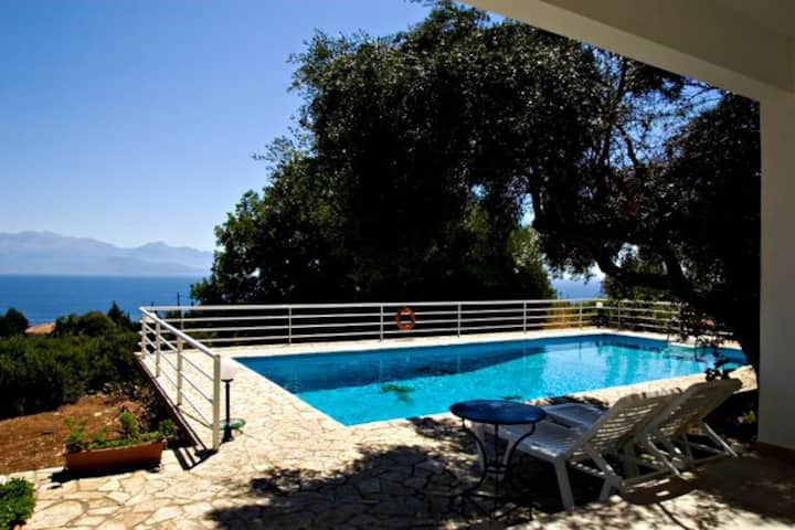 Villa Erato, Sea View, Private Pool. EOT licensed.