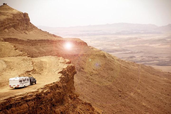 SHAKAVANS - Cozy Desert Adventures