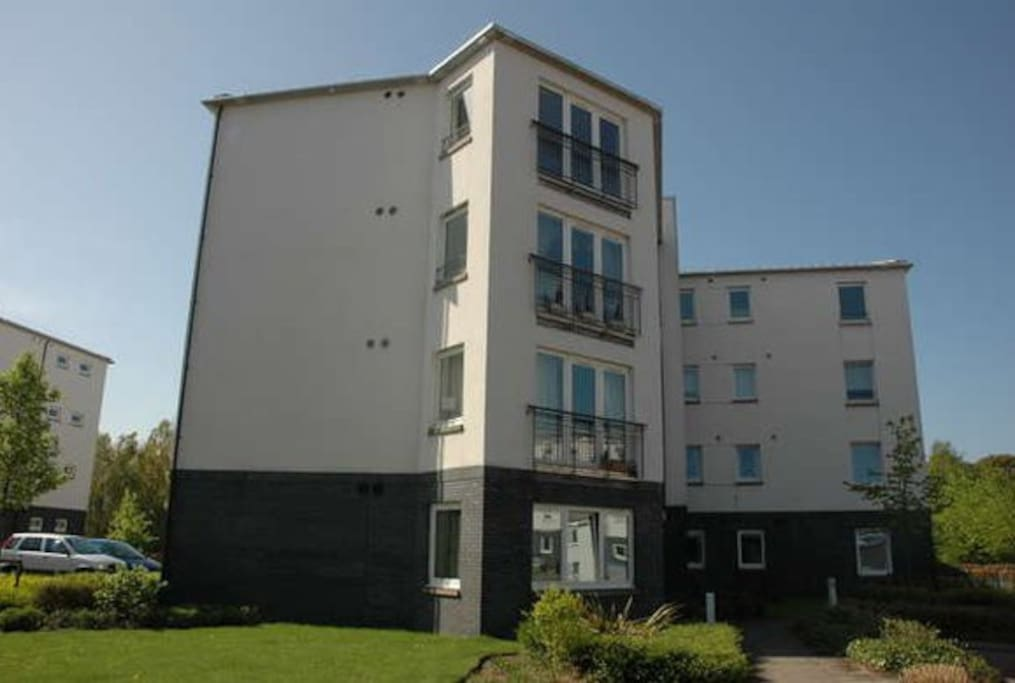 New 2 bed flat commonwealth games apartments for rent for Beds glasgow