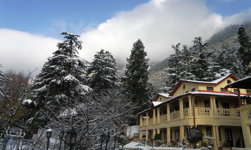 The Pavilion Heritage Inn - Family Suite - Nainital - Hotel warisan budaya (India)