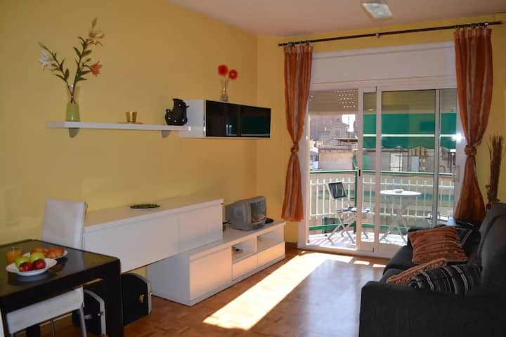 *monthly stays* nice apartment 3 rooms