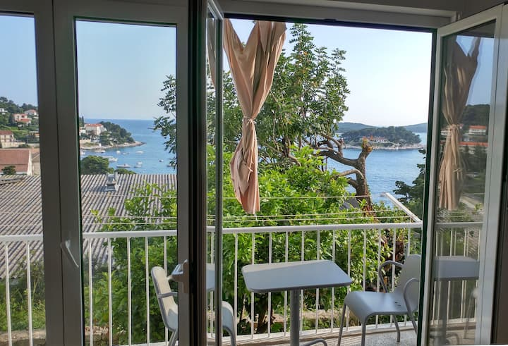 Dream Island - Two Bedroom Apt with Sea View 3