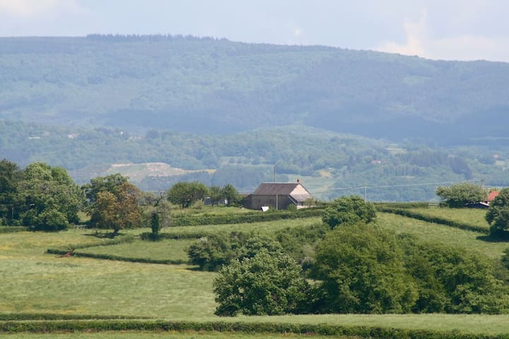 Traditional farm house South-Morvan - Poil - Casa