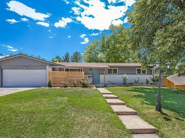 Tastefully updated ranch Suite in Littleton!