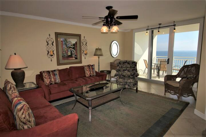 SeaSpray East 922- Gulf Front Views from Terrace with Luxurious Interior!