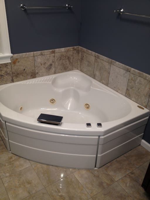 Jacuzzi in master bath