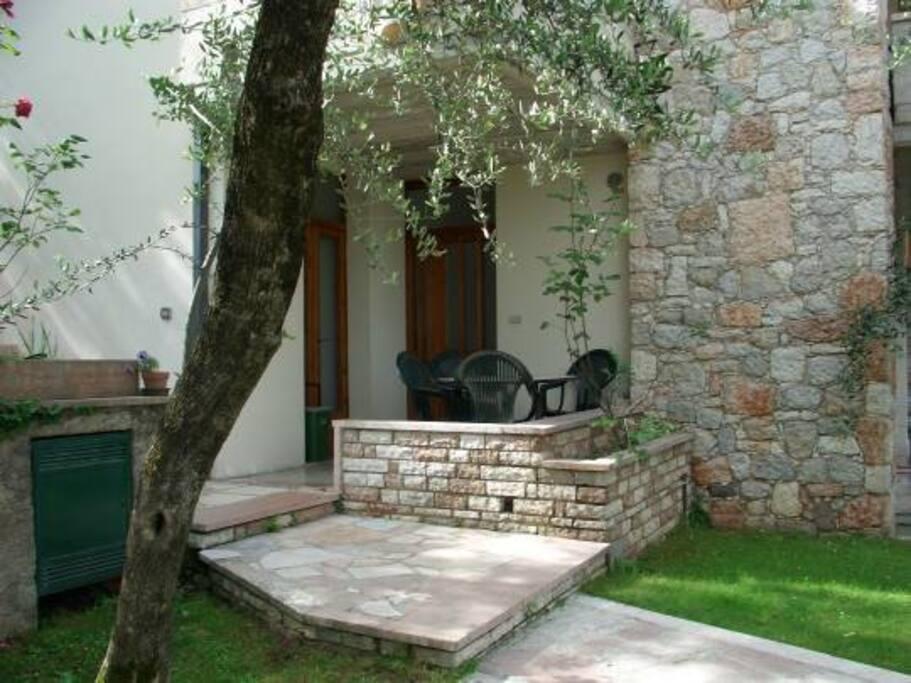 Terrazzo e giardino privato