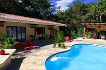 Only 4 rooms for a family b&b... And all rooms are swimming pool view :)