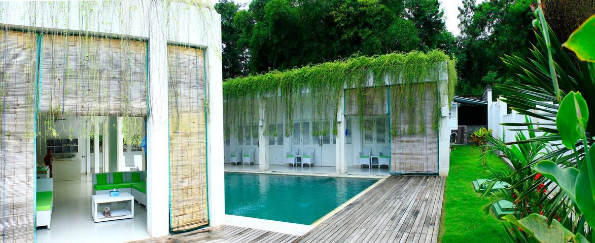 Villa Putih Lovina - Buleleng - Chalet